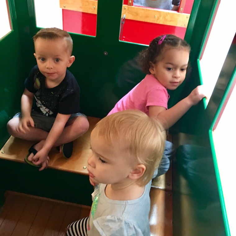 toddlersinatrain