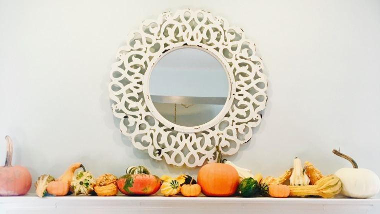 pumpkins on mantle