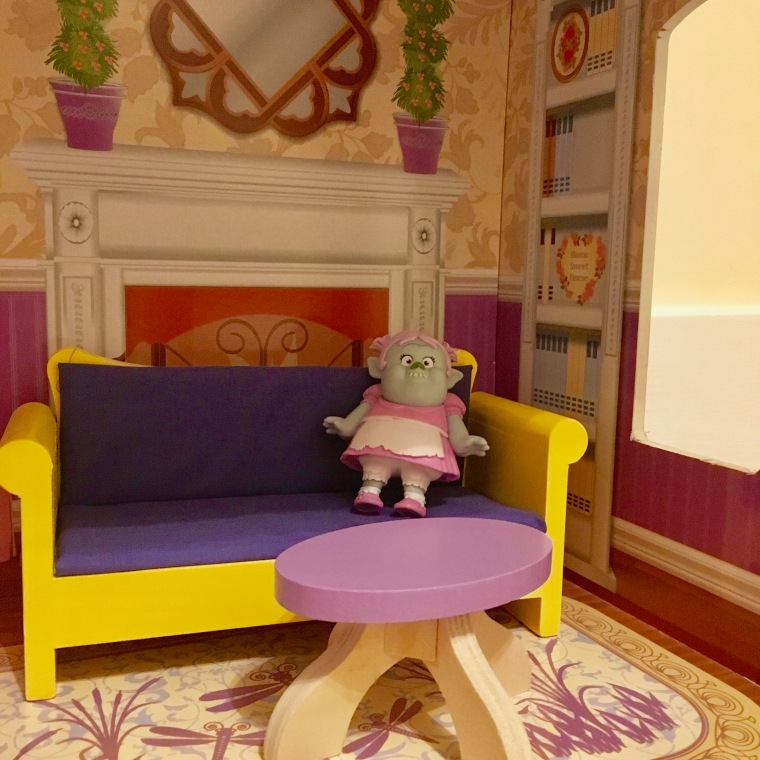 kid kraft dollhouse2